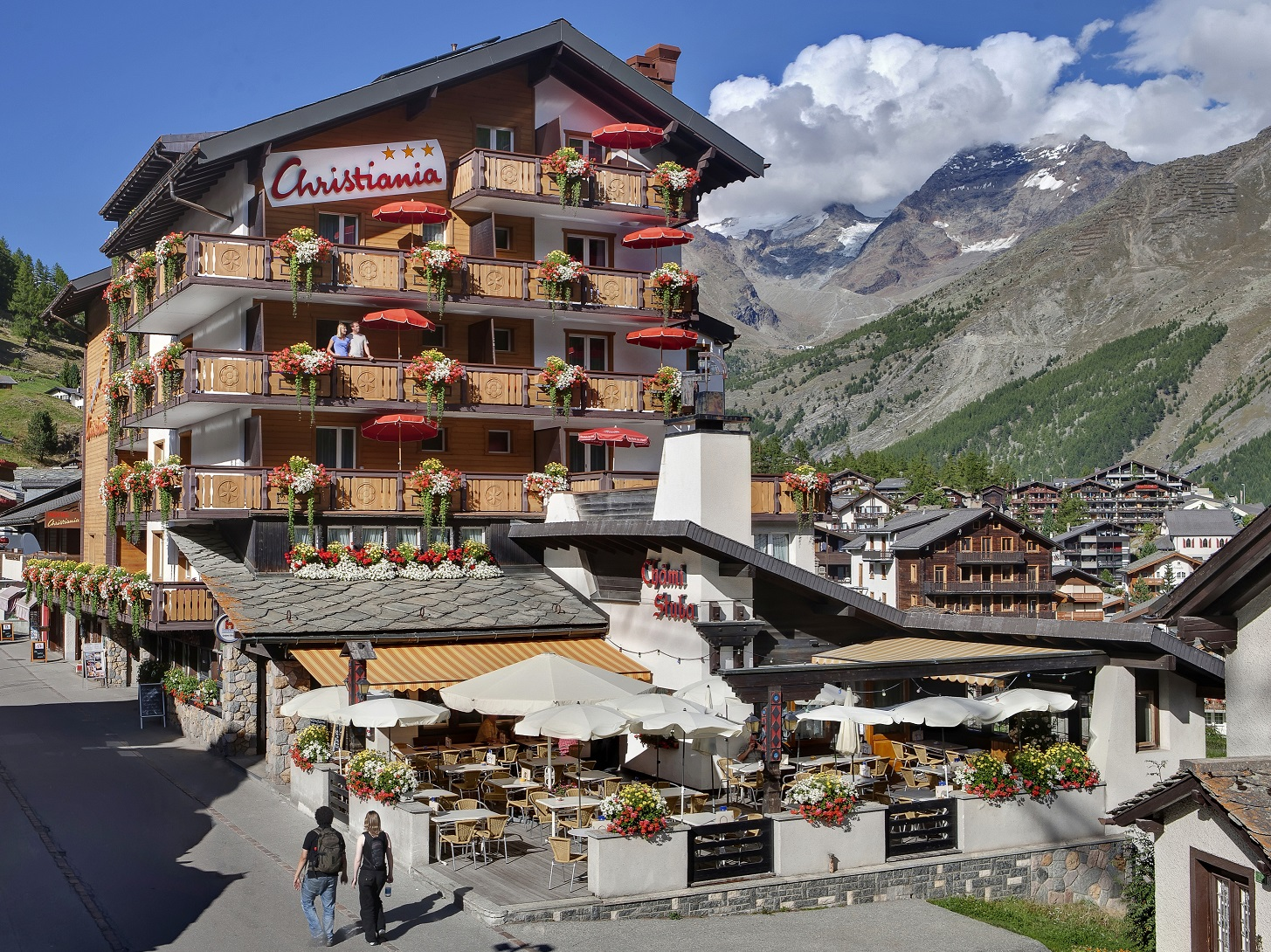 Hotel Ia Saas Fee 3 Stars Aussenansicht Sommer Winterbild Aussenfade