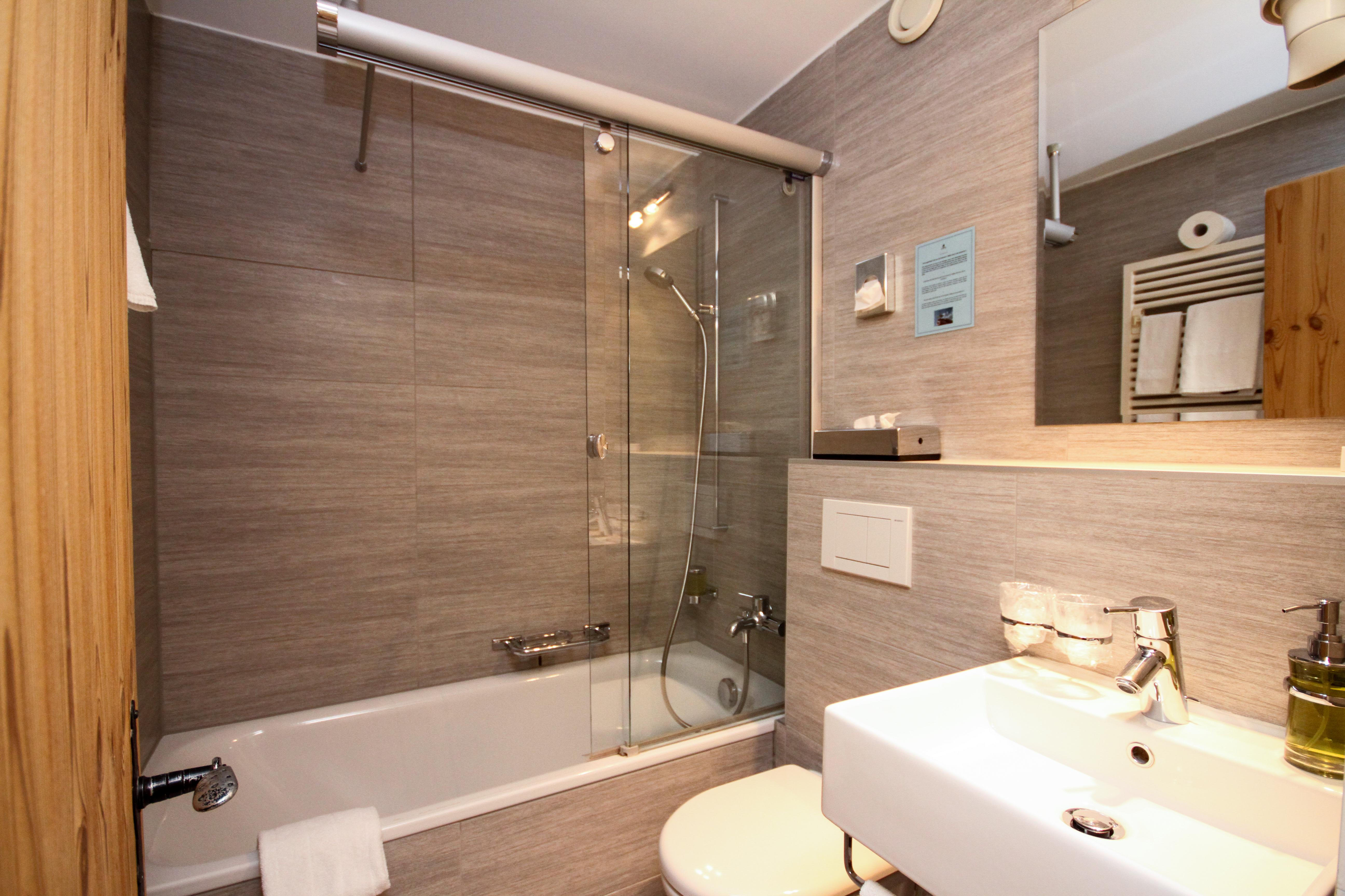 Vanite Salle Bain Bf ~ Swisshoteldata Ch Swiss Hotel Directory
