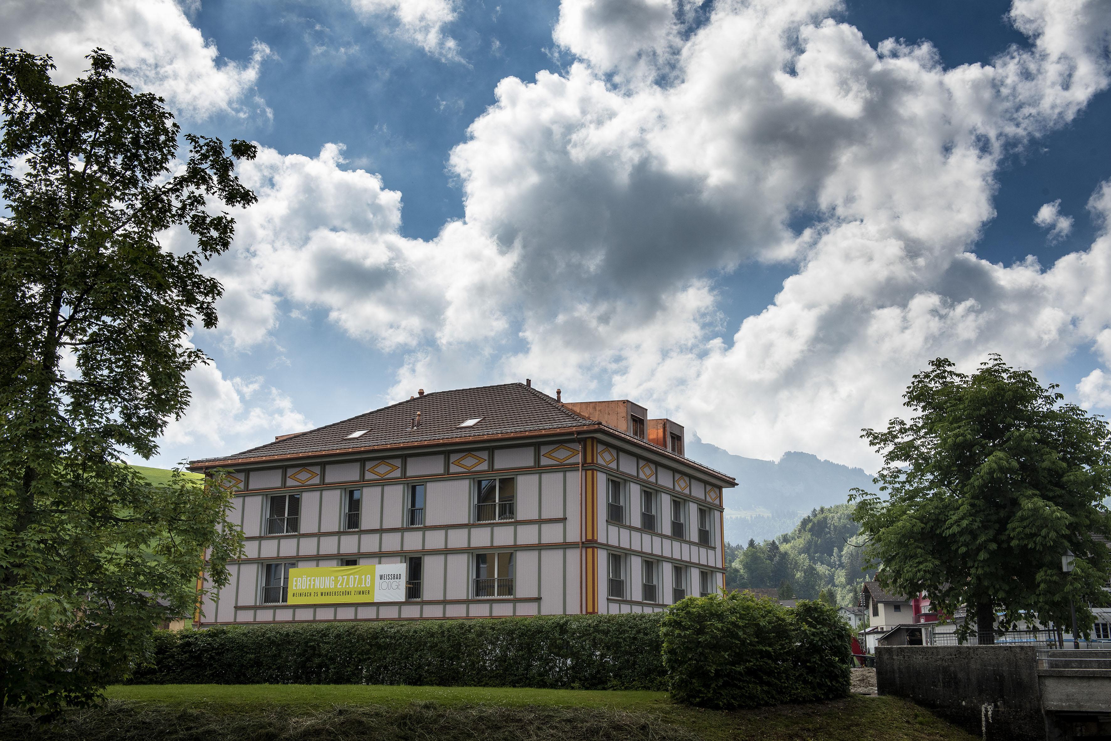 swisshoteldata.ch - Swiss hotel directory