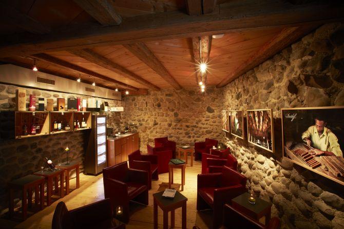 Davidoff Cigar Lounge