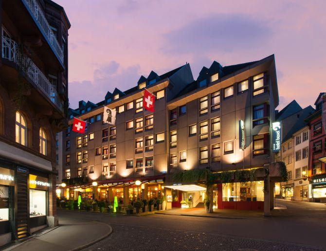 Hotel Basel Aussenansicht Sommer
