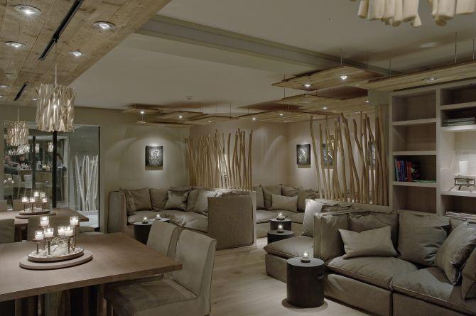 Bar & Lounge innen