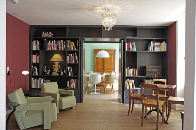 Lounge & Bibliothek