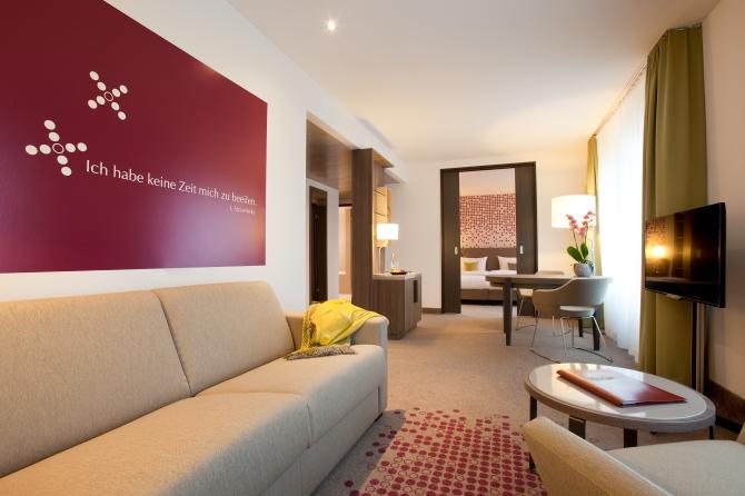 Suite/Apartment