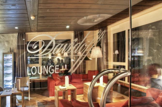 Bar with Smoker Lounge - Sunstar Alpine Hotel Arosa, Switzerland