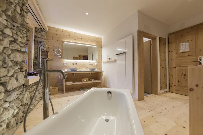Engadiner Familien-Zimmer, Badezimmer
