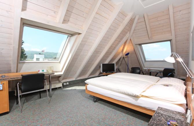 Standard Doppelzimmer mit zwei Betten