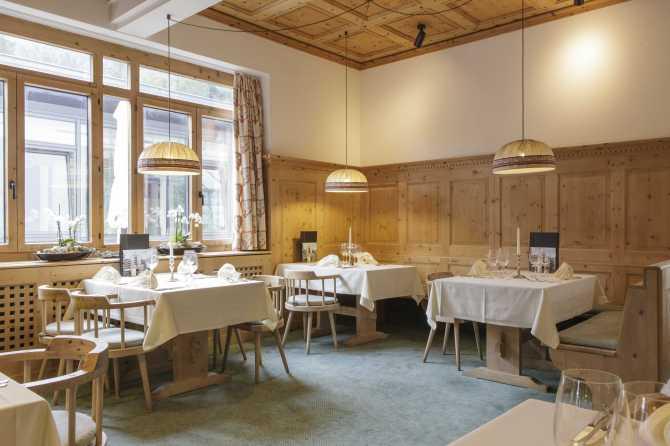 Hotel Schweizerhof Sils-Maria Arvenstube