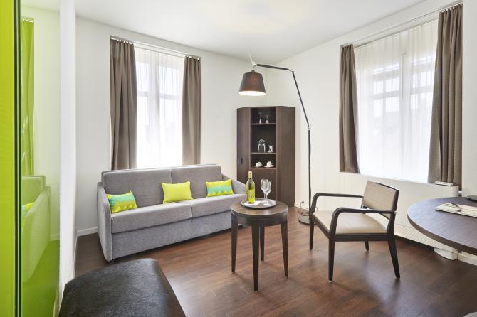 Superior Lounge