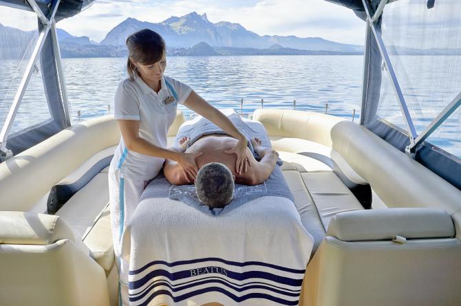 Massagen auf dem See