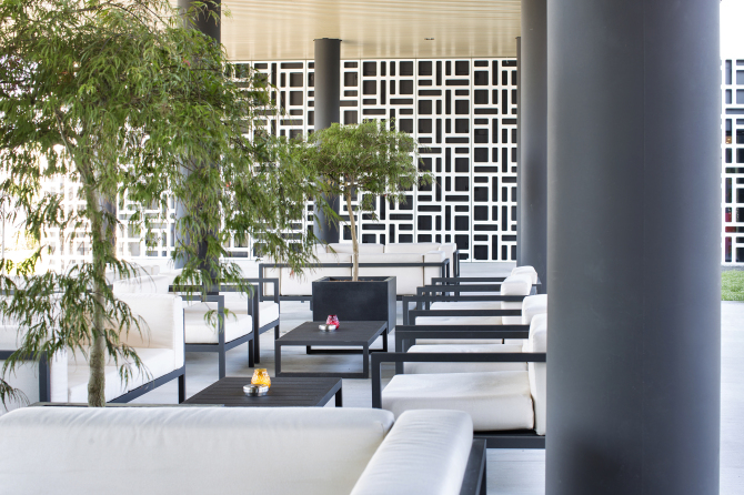 Pit Stop Lounge & Bar Terrasse