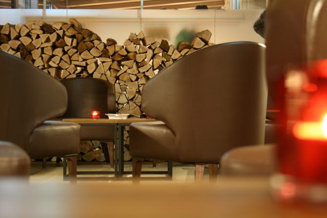 Smokers Lounge The Alpina Bar