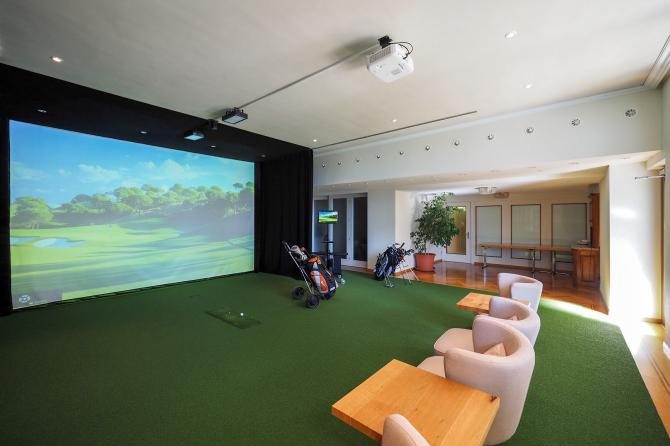 Indoor Golfanlage