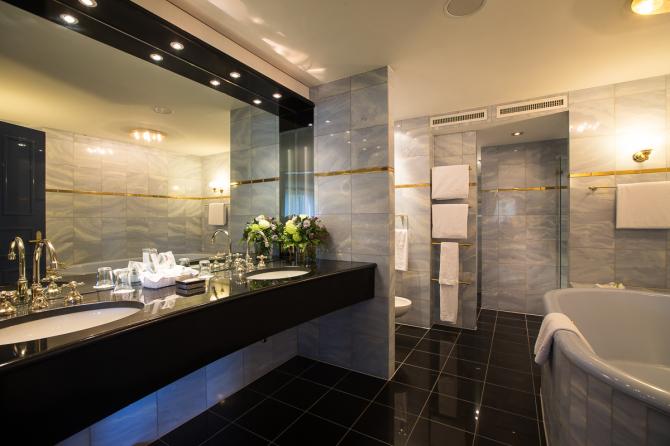 Badezimmer der Royalsuite