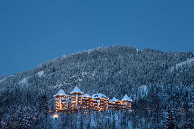 The Alpina Gstaad im Winter