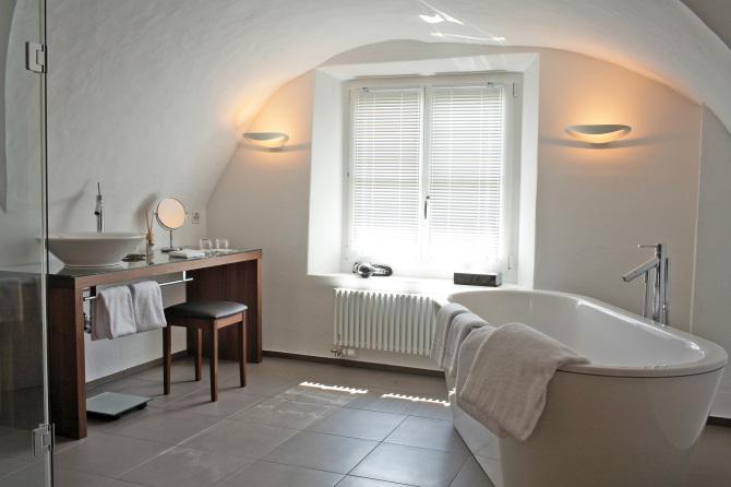 Badezimmer eines Engadiner Zimmers
