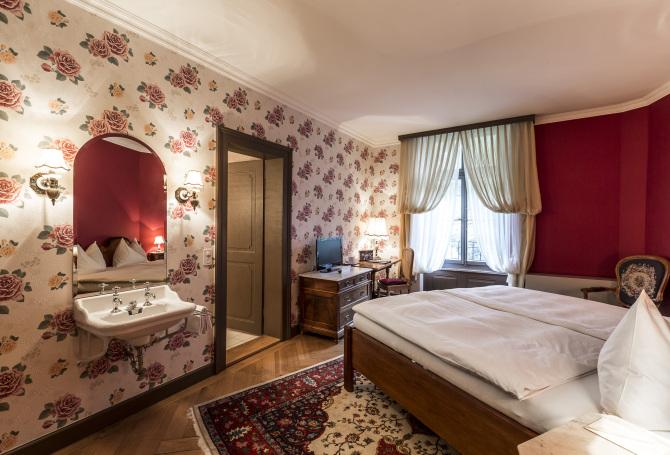Superior Doppelzimmer mit Giessbachfall-Blick