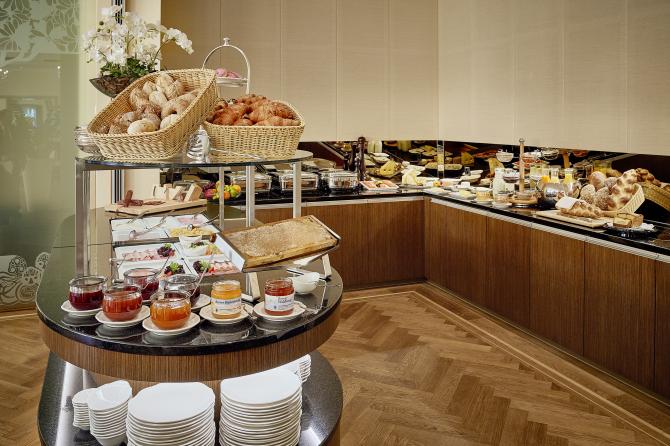 Hotel Eden Spiez - Frühstücksbuffet