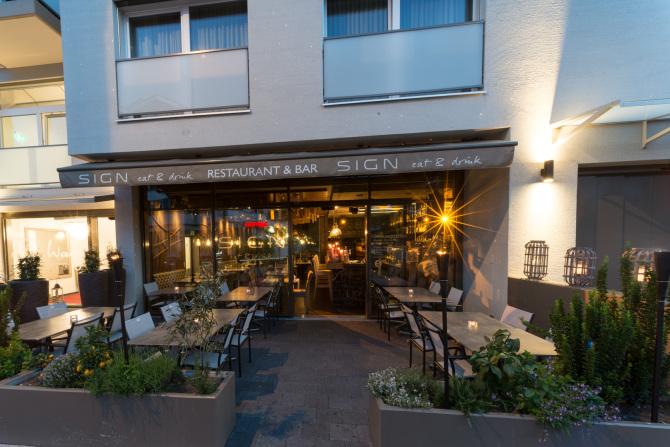 Aussenansicht Hotel & Restaurant Abend