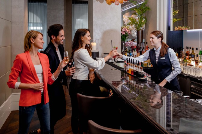Lobby Lounge Bar 6