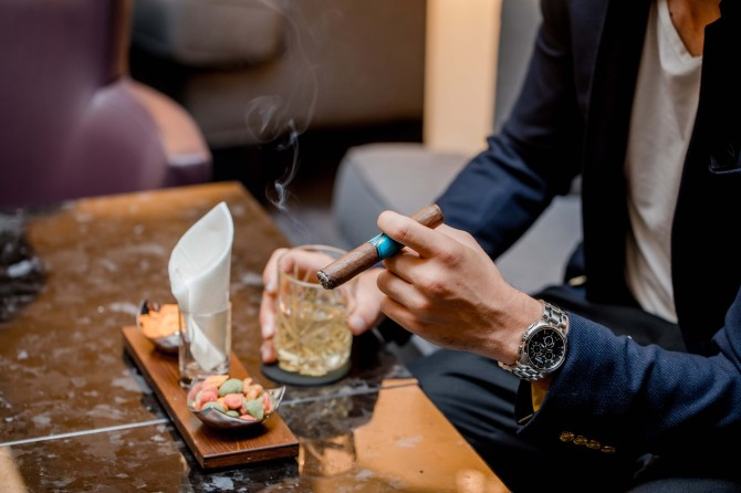 Cigar Lounge 2