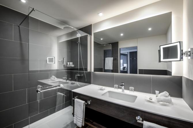 Classic Zimmer - renovated Badezimmer