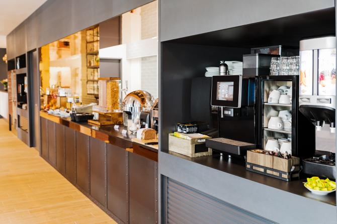 Bar / Snacking Lounge