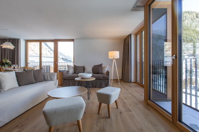 Residenz living room 2