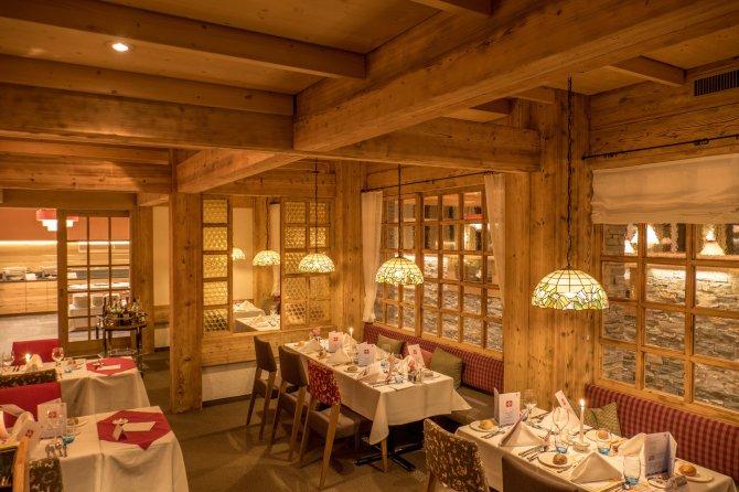 Sunstar Hotel Davos Restaurant Buurestube