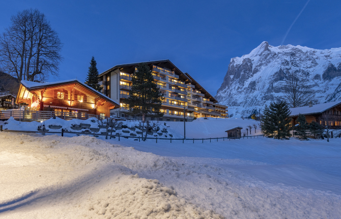 Sunstar Hotel Grindelwald by night