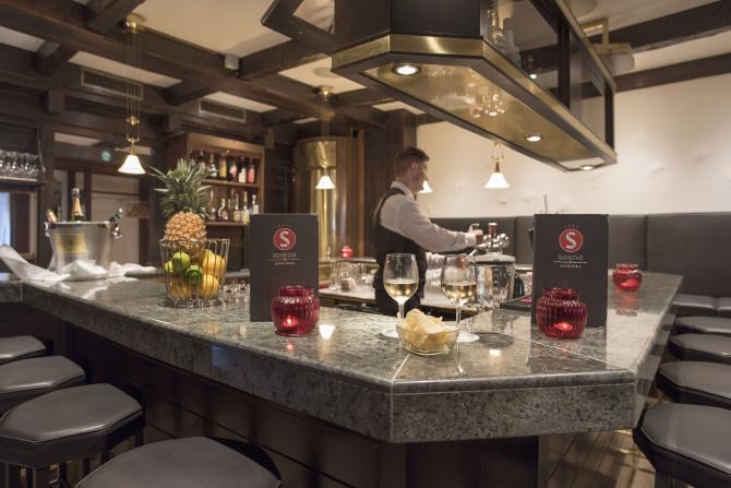 Bar - Sunstar Hotel Arosa