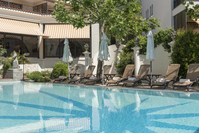 Pool - Sunstar Hotel Brissago, Tessin