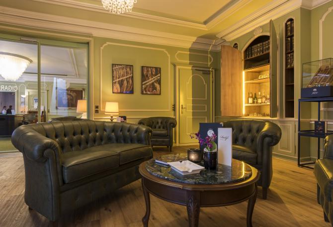 Bar/Fumoir - Zigarrenlounge - Sunstar Hotel Brissago