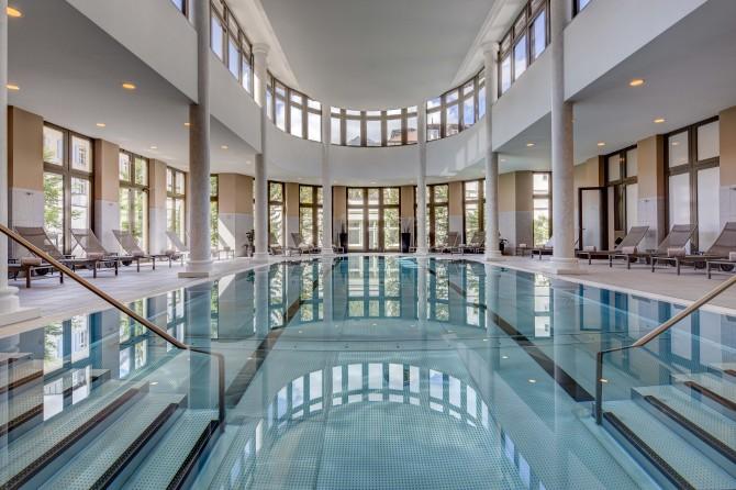 Kempinski St. Moritz Pool