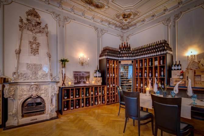 Kempinski St. Moritz Restaurant Enoteca