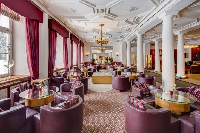 Kempinski St. Moritz Lobby Bar