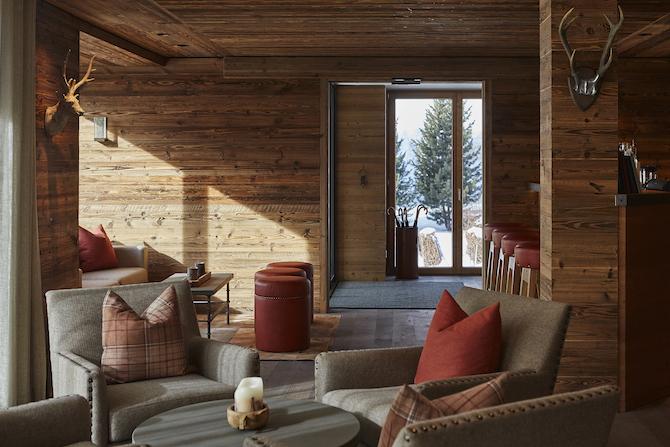 Hall & Lounge