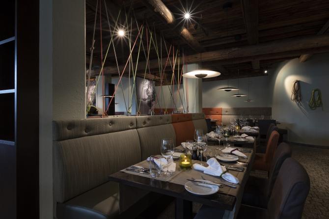 Restaurant 7078
