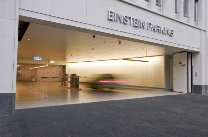 Einstein Parking