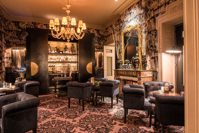 ghdl Henryk's Bar