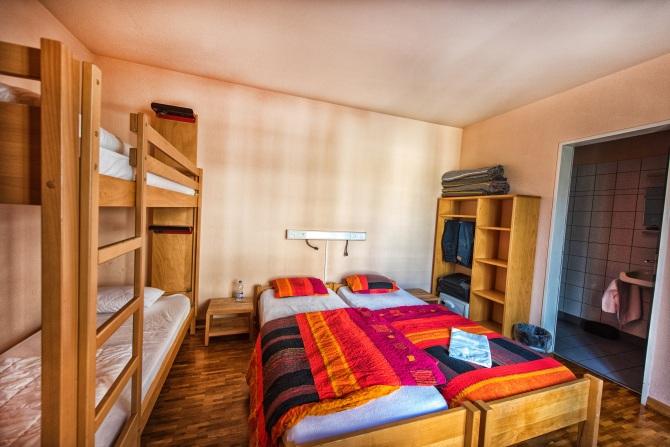 Chambres à quatre lits avec WC